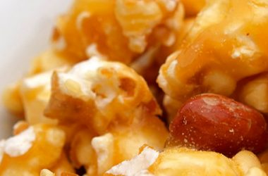 For Sweet and Savory, Try This Caramel Popcorn With Peanuts   ultimatepreppingguide.com