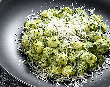 Versatile Gnocchi for a Perfect Dinner Date | ultimatepreppingguide.com