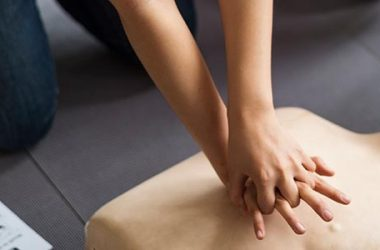 4 Steps to Performing CPR (CPR Procedure)   ultimatepreppingguide.com